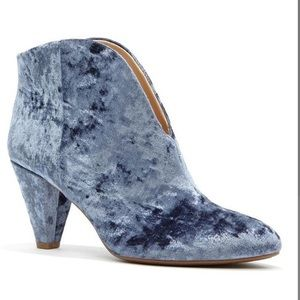 NWOB Vince Camuto Bootie